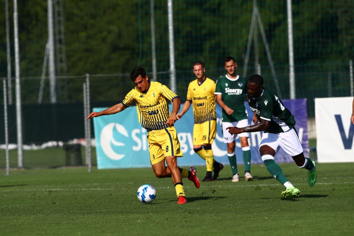 Gialli sconfitti 3-2 dall'Hellas